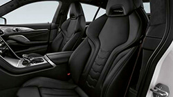 Сидіння M Sport для водія та переднього пасажира